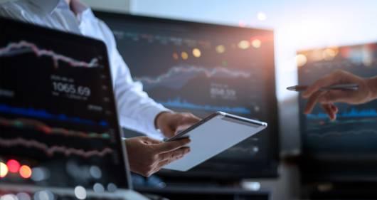 Business Intelligence des flux financiers et logistiques